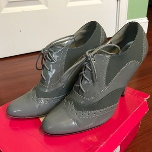 If Carrini Gray Lace Up Oxford Heels